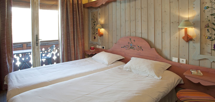 france_espace-killy_tignes_hotel_le_paquis_twin_beds.jpg
